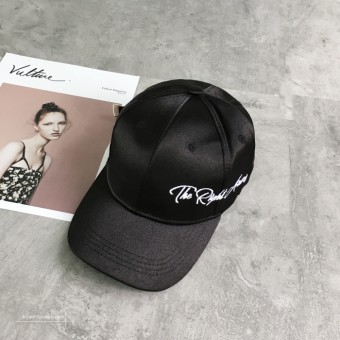 Masuknya orang Korea Fashion Style bordir bisbol surat topi musim panas (  Hitam sisi huruf) 914da6af6c