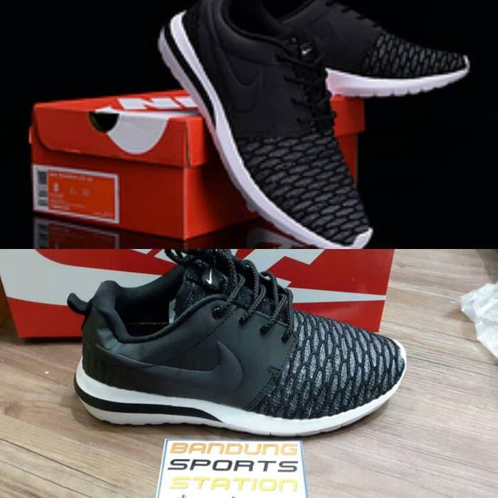Jual Sepatu Sports Nike Roserun Women - ONLINE SHOP 1fc8fd61c6