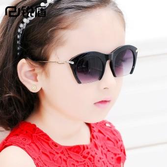 Bayi anak laki-laki anak perempuan yurt anak kacamata hitam